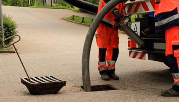 sewer repair contractor